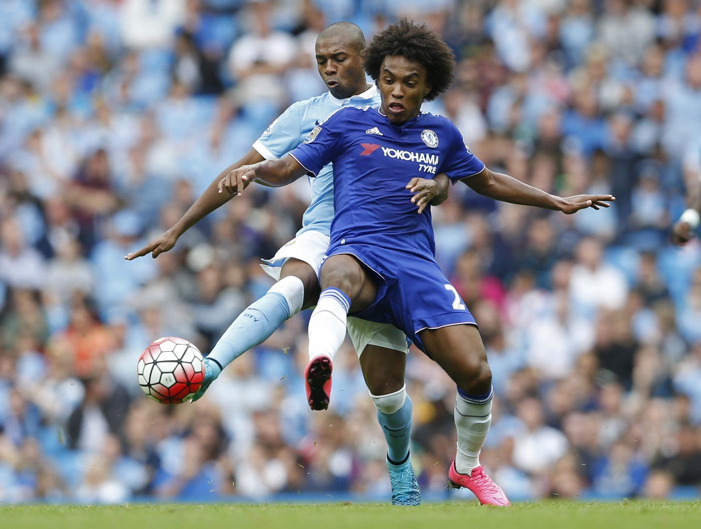 Chelsea's Willian in action with Manchester City's Fernandinho Carl Recine/Reuters