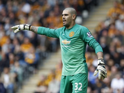 Louis van Gaal has made Victor Valdes a Manchester United outcast, he desperately wants a transfer – report