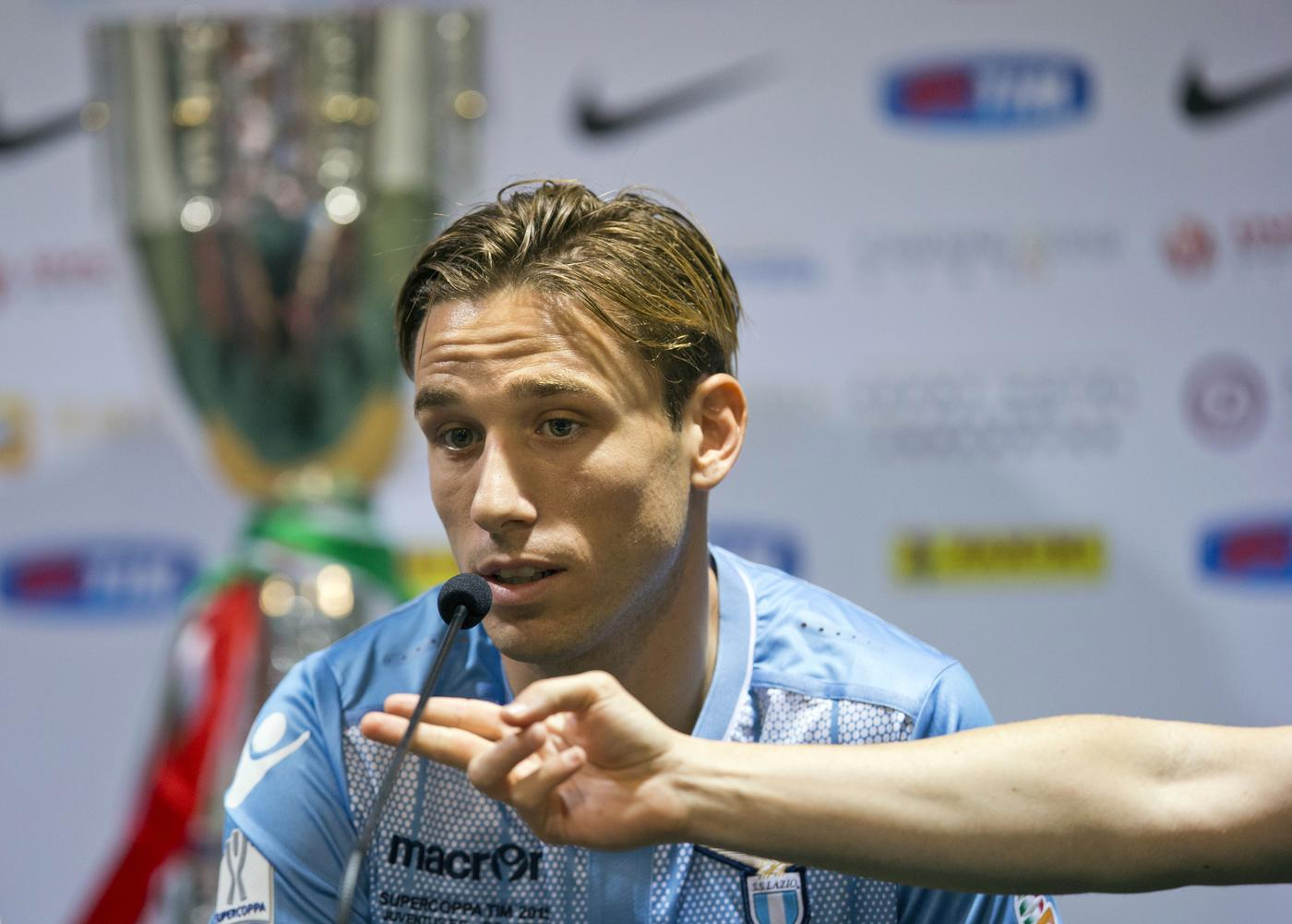 Lucas Biglia has probably missed the boat on £17.5million Manchester United transfer