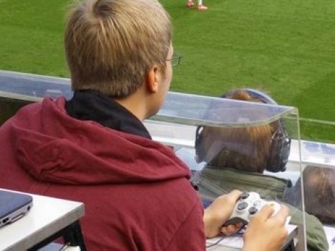 Man spotted using Xbox controller at Newcastle v Arsenal match