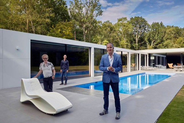 Grand Designs 2015: Episode 1 - Presented by Kevin McCloud (Location - Horsham, West Sussex, UK)