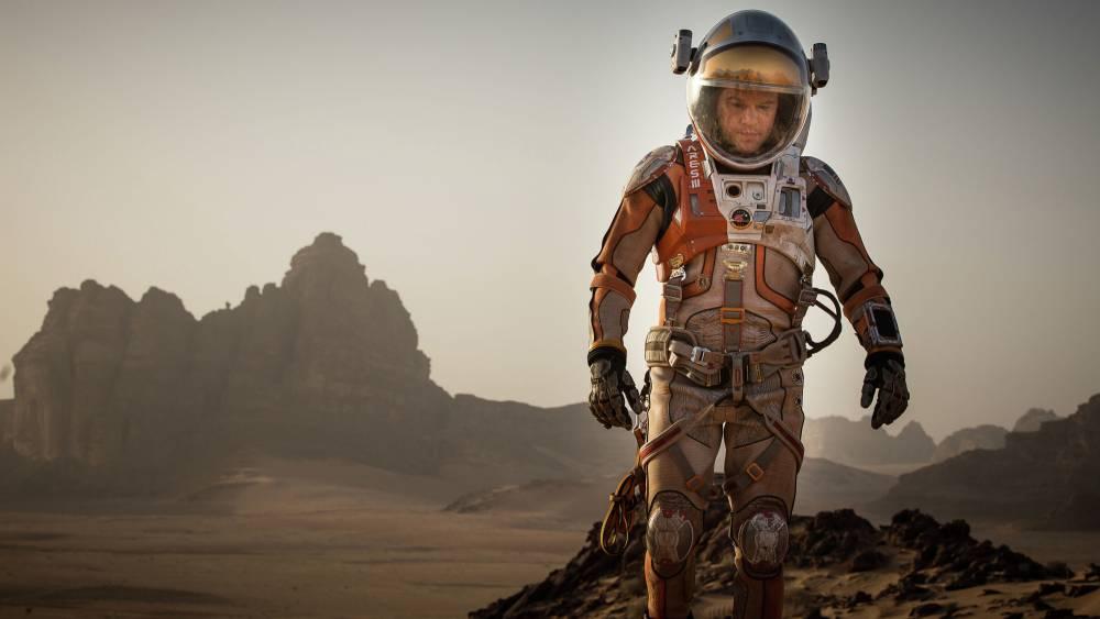Russian screenwriter to sue Fox for 'plagiarising' his script for upcoming Matt Damon film The Martian