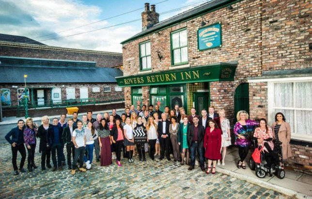 Undated handout photo issued by ITV of a group shot of the Coronation Street cast prior to the the programme going live at 7.30pm tonight on ITV as part of the channelís 60th anniversary celebrations. PRESS ASSOCIATION Photo. Issue date: Wednesday September 23, 2015. See PA story SHOWBIZ Corrie. Photo credit should read: ITV/PA Wire NOTE TO EDITORS: This handout photo may only be used in for editorial reporting purposes for the contemporaneous illustration of events, things or the people in the image or facts mentioned in the caption. Reuse of the picture may require further permission from the copyright holder.