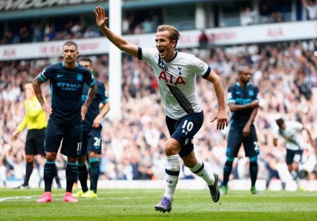 LONDON, ENGLAND - SEPTEMBER 26:  Harry Kane of Tottenham Hotspur celebrates scoring his team's third goal during the Barclays Premier League match between Tottenham Hotspur and Manchester City at White Hart Lane on September 26, 2015 in London, United Kingdom.  (Photo by Julian Finney/Getty Images)