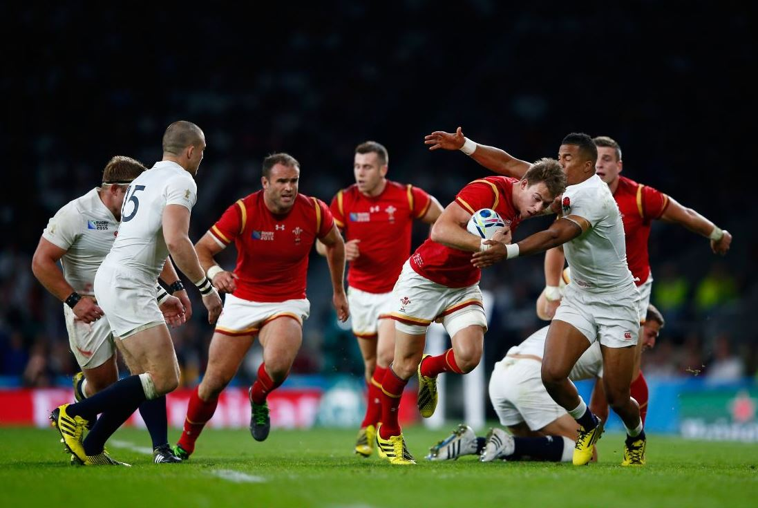 Wales beat England 28-25 in crucial Twickenham clash at Rugby World Cup 2015