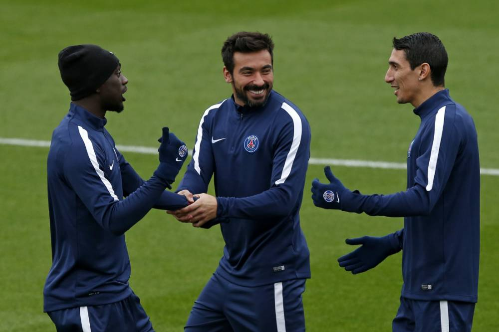 Arsenal make last-ditch attempt to seal cut-price transfer of Paris Saint-Germain star Ezequiel Lavezzi – report