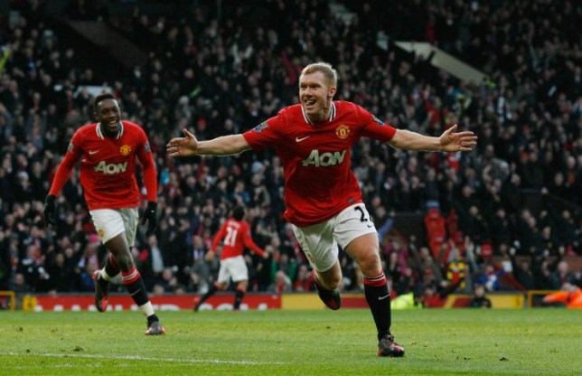 Paul Scholes of Man Utd scores. Premier League: Manchester United v Bolton Wanderers (3-0) Pictures by Ian Hodgson/Daily Mail . REXMAILPIX.