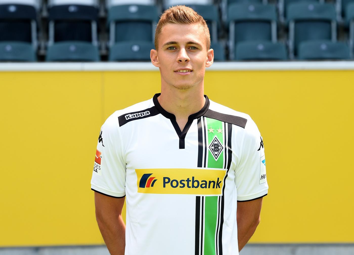 Tottenham Hotspur open transfer talks with Borussia Monchengladbach regarding Thorgan Hazard, he would like to be near his brother – report