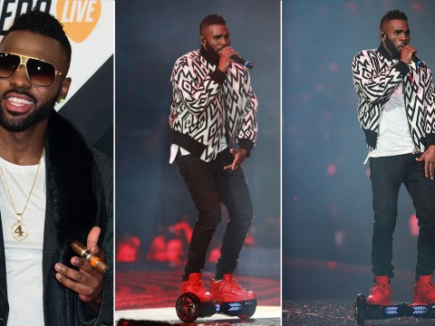 MTV EMAs 2015: Jason Derulo can definitely ride a 'hoverboard' much better than you