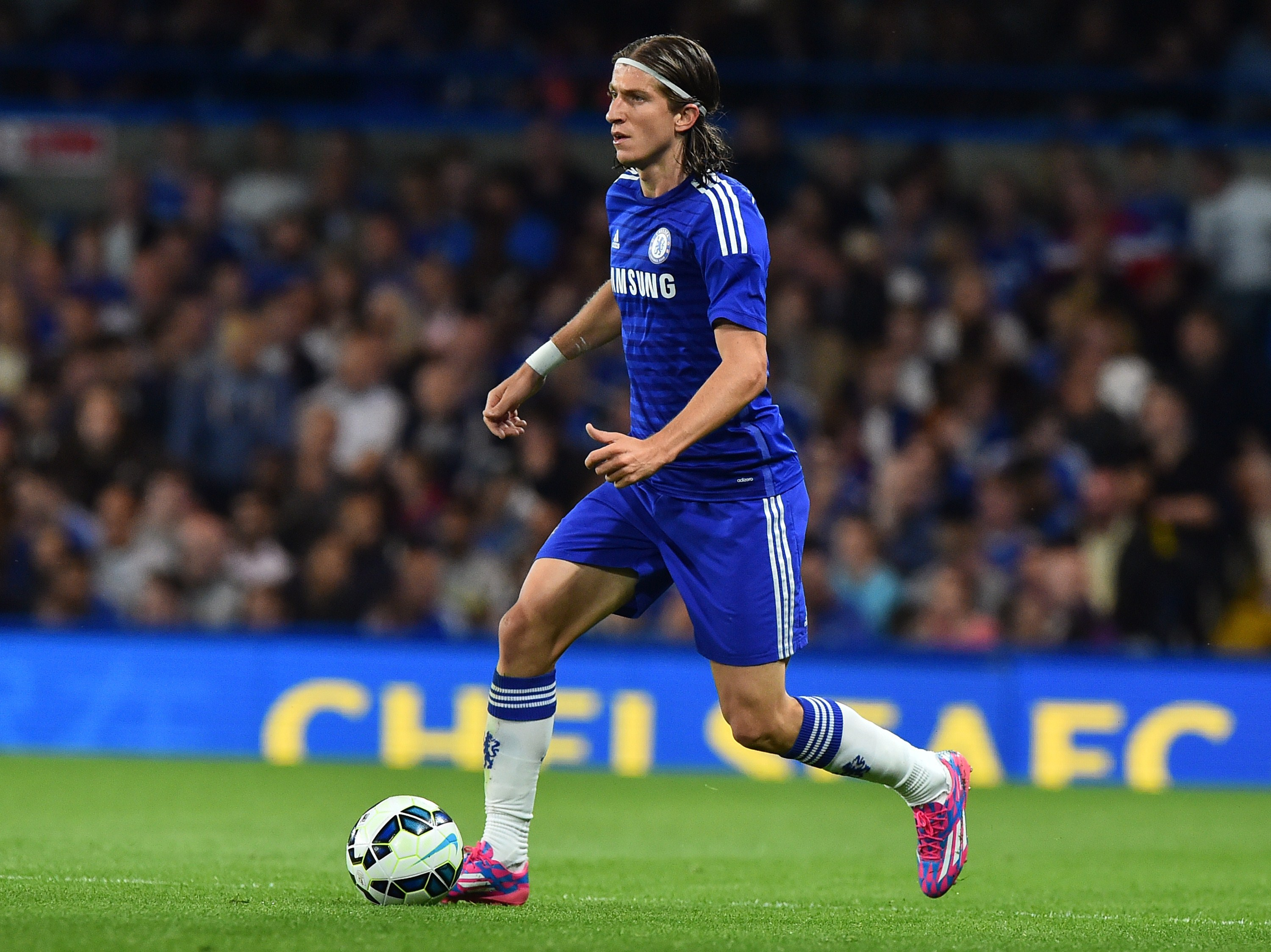 Jose Mourinho's public criticism can be damaging to Chelsea players, says Filipe Luis