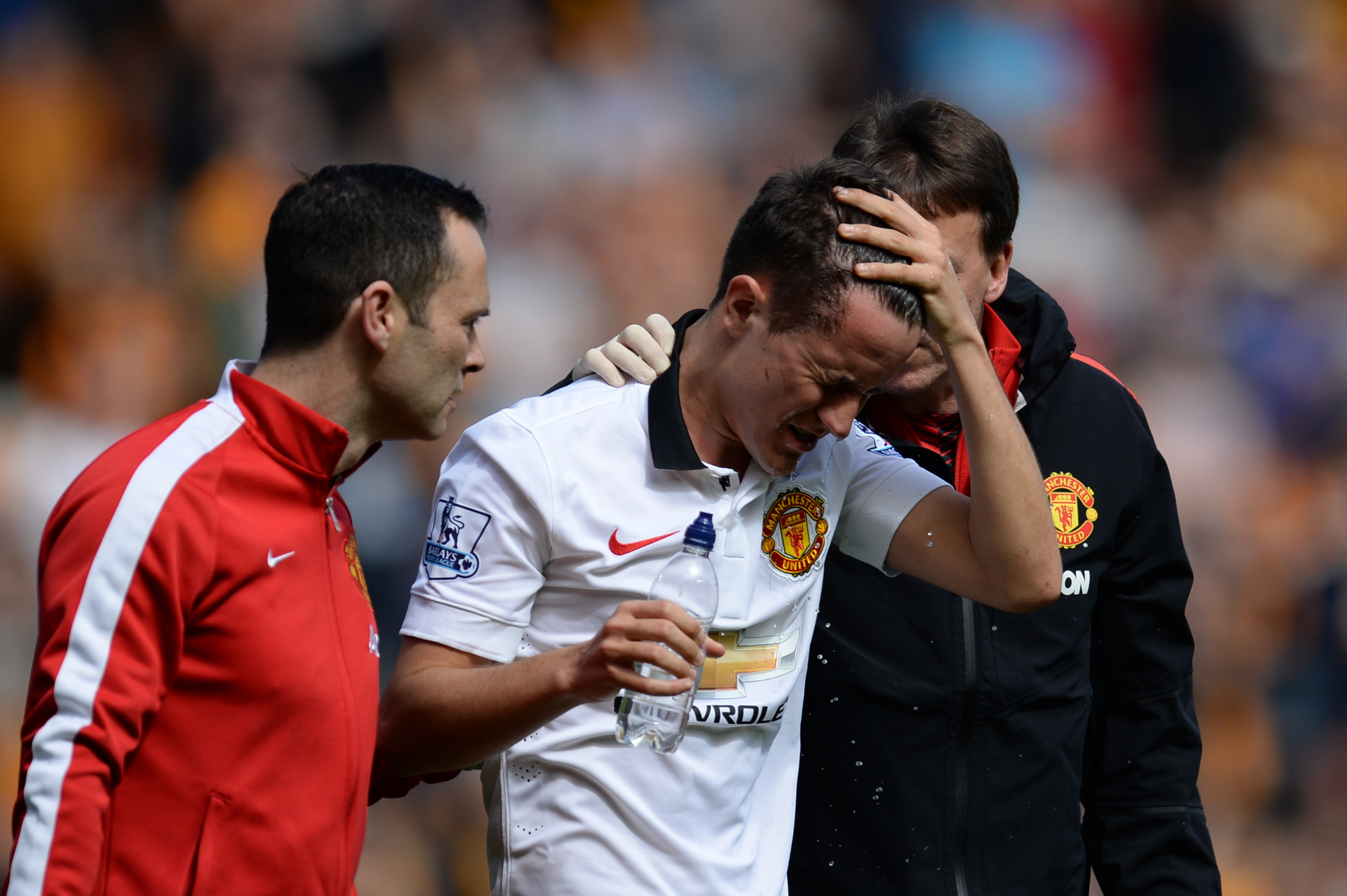 How should the FA and Premier League deal with head injuries in football?