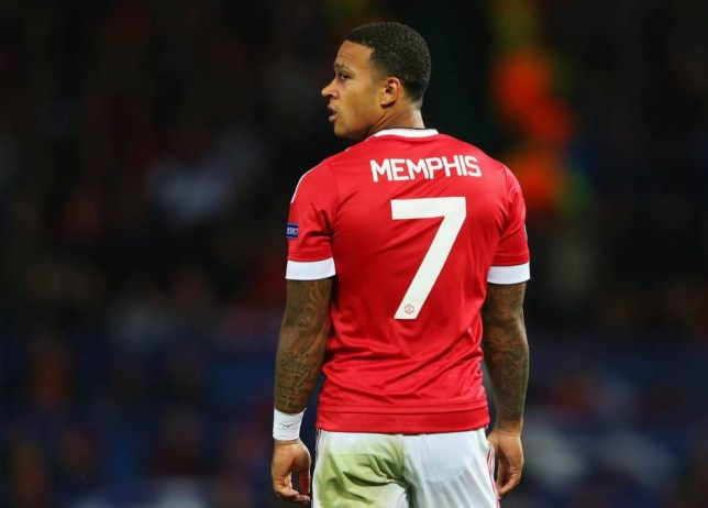 26d3ed274 David Beckham offers advice to Memphis Depay about wearing the No7 shirt  for Man United