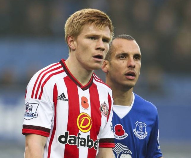 Editorial use only. No merchandising. For Football images FA and Premier League restrictions apply inc. no internet/mobile usage without FAPL license - for details contact Football Dataco Mandatory Credit: Photo by Matt McNulty/JMP/REX Shutterstock (5333812ar) Duncan Watmore of Sunderland and Everton's Leon Osman Everton v Sunderland, Great Britain - 1 Nov 2015