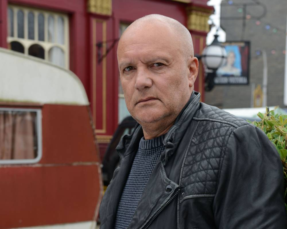 WARNING: Embargoed for publication until 25/09/2014 - Programme Name: EastEnders - TX: 13/11/2014 - Episode: 4959 (No. n/a) - Picture Shows: KARL HOWMAN. KARL HOWMAN - (C) BBC - Photographer: Kieron McCarron