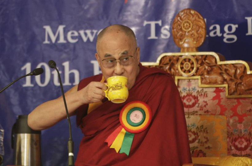 DHARAMSHALA, HIMACHAL PRADESH, INDIA - 2015/10/10: Tibetan spiritual leader, the Dalai Lama drinks Tibetan tea during the function of Mewoen Tsuklag Petoen Schoolon its 10th founding anniversary. (Photo by Shailesh Bhatnagar/Pacific Press/LightRocket via Getty Images)