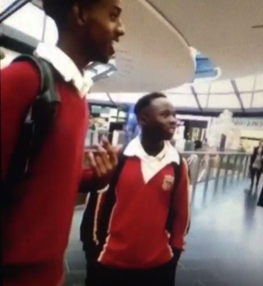 Apple store ejects black students saying 'we're worried you might steal something' Credit: Crypticgirl /Twitter