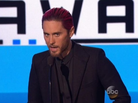 AMAs 2015: Jared Leto pays emotional tribute to Paris attack victims, and shows support for refugees