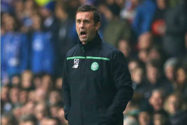 GLASGOW, SCOTLAND - NOVEMBER 05: Ronny Deila the manager of Celtic shouts instructions to his players during the UEFA Europa League Group A match between Celtic FC and Molde FK at Celtic Park on November 5, 2015 in Glasgow, United Kingdom. (Photo by Ian MacNicol/Getty Images)