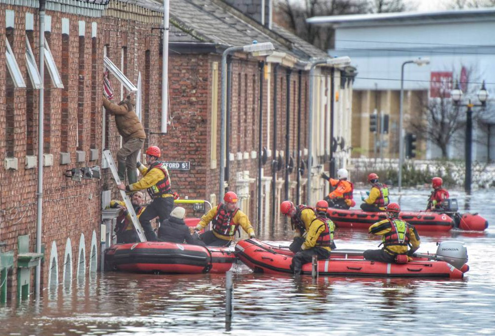 Storm Desmond: Thousand of people forced from homes after heavy flooding