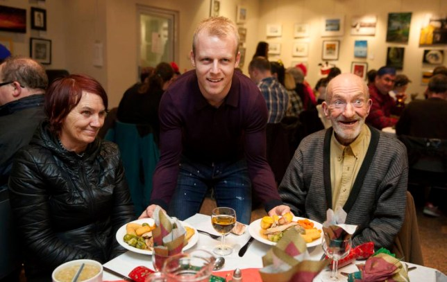 09/12/15 RENFIELD ST STEPHEN'S CHURCH - GLASGOW Everton and Scotland player Steven Naismith is on hand to support the sponsored Christmas lunch for Glasgow's homeless with charity Loaves and Fishes.