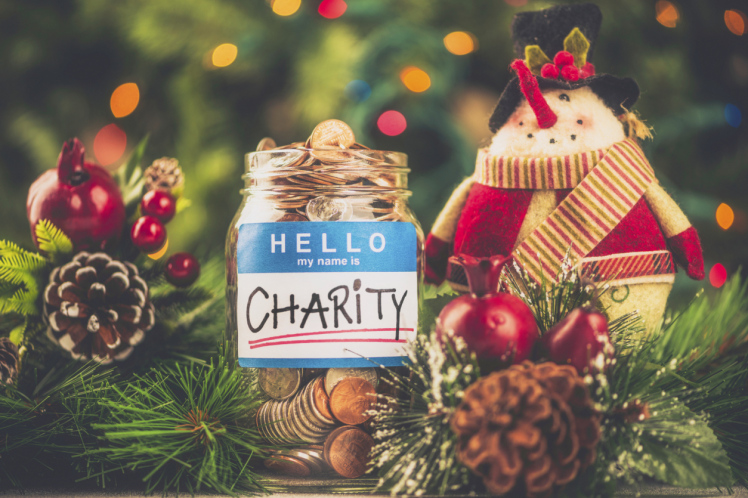 7 ways to give something back over Christmas