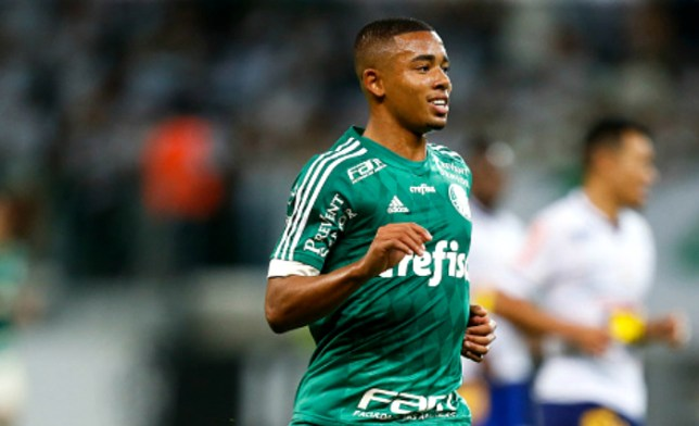 SAO PAULO, BRAZIL - NOVEMBER 21: Gabriel Jesus of Palmeiras in action during the match between Palmeiras and Cruzeiro for the Brazilian Series A 2015 at Allianz Parque stadium on November 21 , 2015 in Sao Paulo, Brazil. (Photo by Alexandre Schneider/Getty Images) *** Local Caption *** Gabriel Jesus