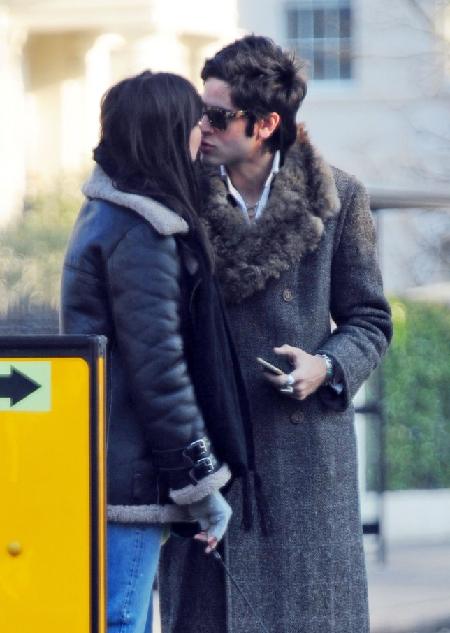 20 JAN 2016 - LONDON - UK *** PREMIUM EXCLUSIVE - STRICTLY MUST CALL FOR PRICING BEFORE USAGE *** BRITISH MODEL DAISY LOWE PICTURED KISSING PEACHES GELDOF'S HUSBAND THOMAS COHEN, THE LOVED UP COUPLE WERE SPOTTED WALKING HER DOG IN NORTH LONDON AND GOING BY THESE PICTURES THEY ARE CLEARLY CONFIRMING THEIR RELATIONSHIP WITH A KISS ON THE LIPS ON A SUNNY CRISP WINTERS DAY. BYLINE MUST READ : XPOSUREPHOTOS.COM ***UK CLIENTS - PICTURES CONTAINING CHILDREN PLEASE PIXELATE FACE PRIOR TO PUBLICATION *** **UK CLIENTS MUST CALL PRIOR TO TV OR ONLINE USAGE PLEASE TELEPHONE 442083442007