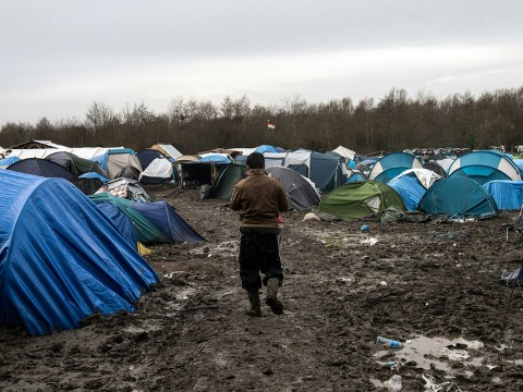 Volunteers in Calais Jungle accused of 'sexually exploiting refugees'