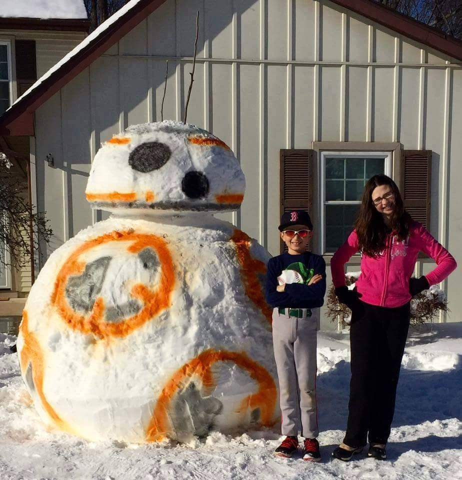 Someone made a giant BB-8 snowman and it got Chewbacca's seal of approval