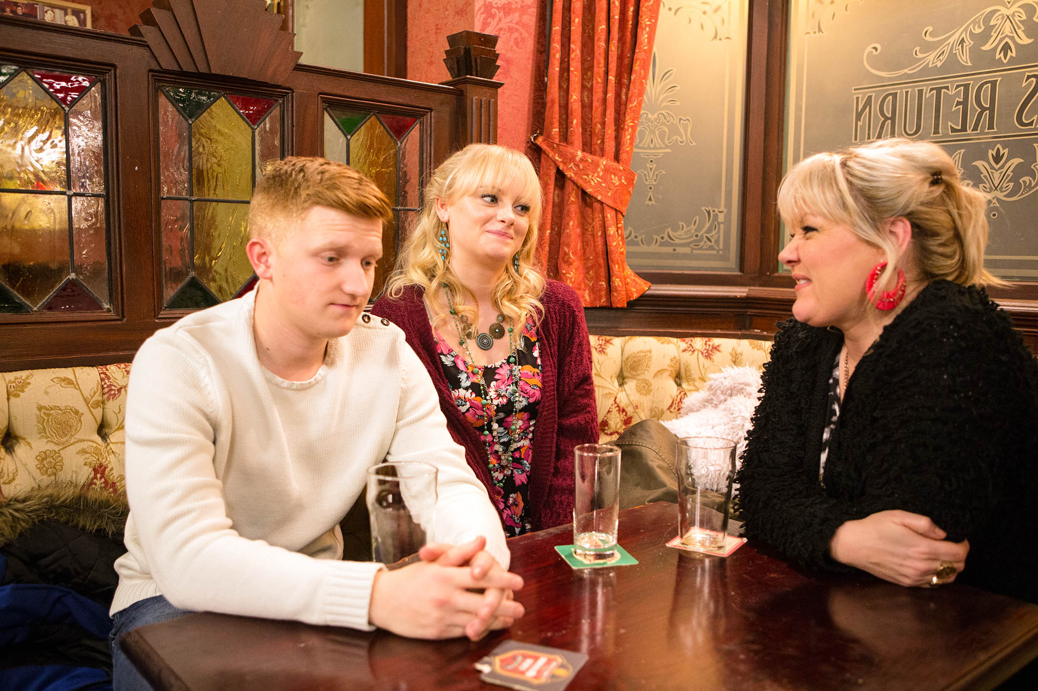 FROM ITV STRICT EMBARGO - No Use Before Tuesday 9 February 2016 Coronation Street - Ep 8840 Monday 15 February 2015 - 2nd Ep Sinead Tinker [KATIE McGLYNN] admits she's nervous about her forthcoming modelling assignment. Beth Sutherland [LISA GEORGE] reckons she'll be fantastic whilst Chesney Battersby's [SAM ASTON] less enthusiastic Picture contact: david.crook@itv.com on 0161 952 6214 Photographer - Mark Bruce This photograph is (C) ITV Plc and can only be reproduced for editorial purposes directly in connection with the programme or event mentioned above, or ITV plc. Once made available by ITV plc Picture Desk, this photograph can be reproduced once only up until the transmission [TX] date and no reproduction fee will be charged. Any subsequent usage may incur a fee. This photograph must not be manipulated [excluding basic cropping] in a manner which alters the visual appearance of the person photographed deemed detrimental or inappropriate by ITV plc Picture Desk. This photograph must not be syndicated to any other company, publication or website, or permanently archived, without the express written permission of ITV Plc Picture Desk. Full Terms and conditions are available on the website www.itvpictur
