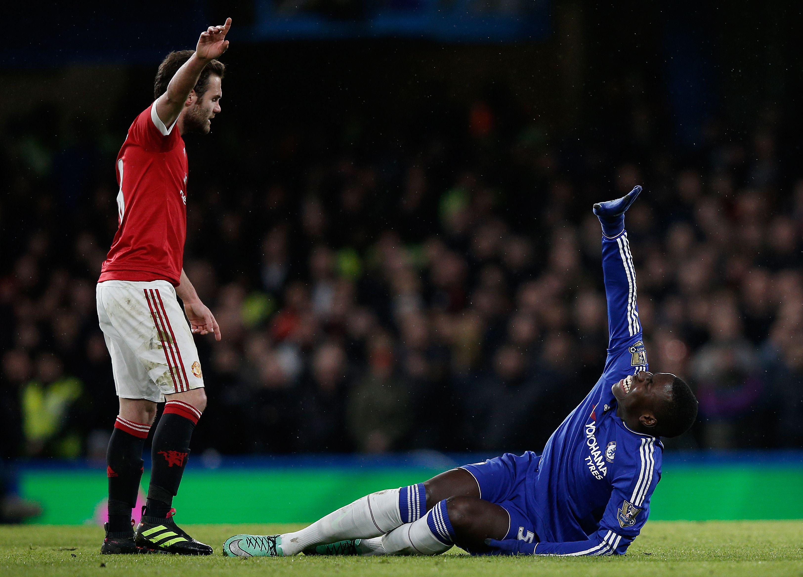Chelsea injury news: Season over for Kurt Zouma? Samba star Pato not ready just yet, Loic Remy return