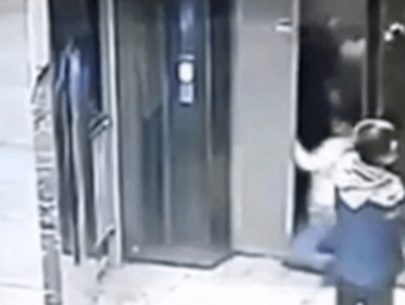 He should have just waited (Picture: LiveLeak)
