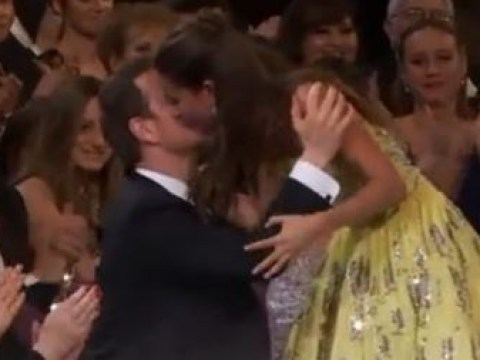 Oscars 2016: Alicia Vikander and Michael Fassbender finally kiss in public