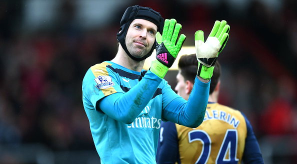Petr Cech poised to be named Arsenal captain over Per Mertesacker