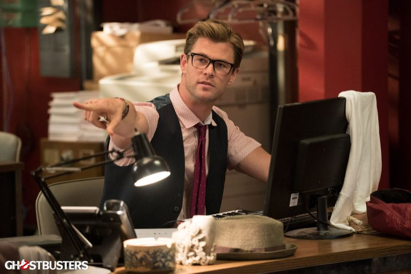 Here's your first look at Chris Hemsworth looking vaguely geeky in Ghostbusters…