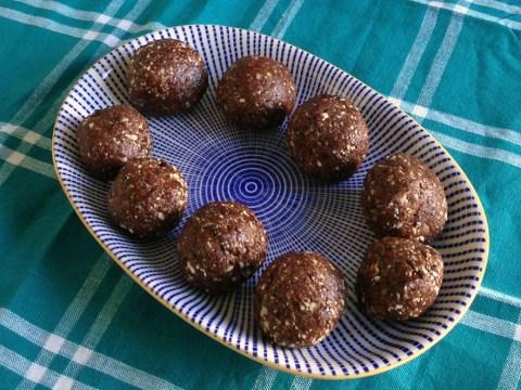 Vegan recipe: raw date, cherry and almond chocolate truffles