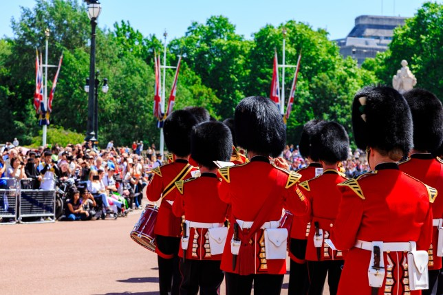 Buckingham Palace, change of guards