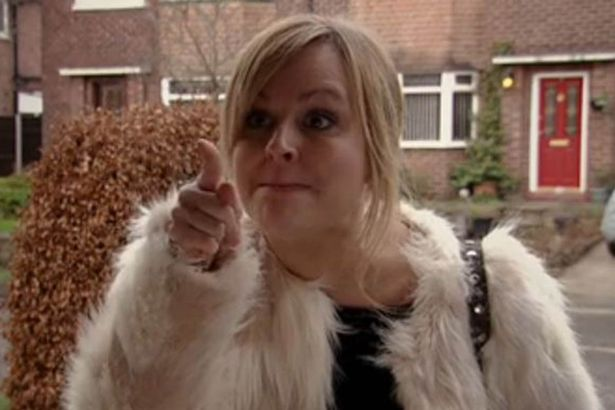 Coronation Street fans still can't get over the mystery of Sarah Platt and her bendy finger