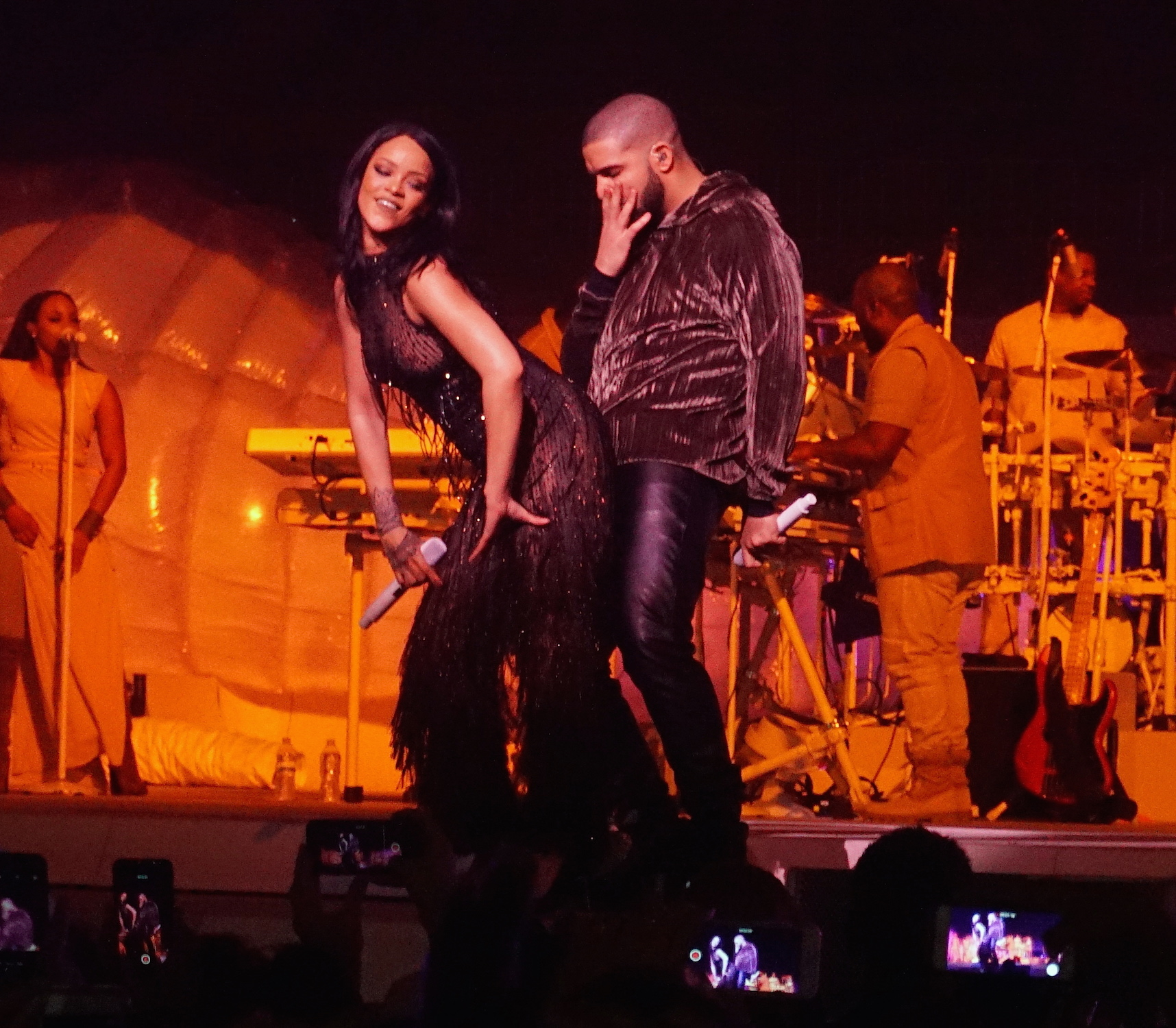 Hot performance: Rihanna and Drake got flirty as they sang Work during her Anti World Tour date in Miami (Picture: 247PAPS.TV / Splash News)