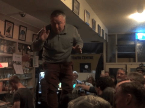 Video of entire pub singing Mr. Brightside in memory of late friend is beautiful