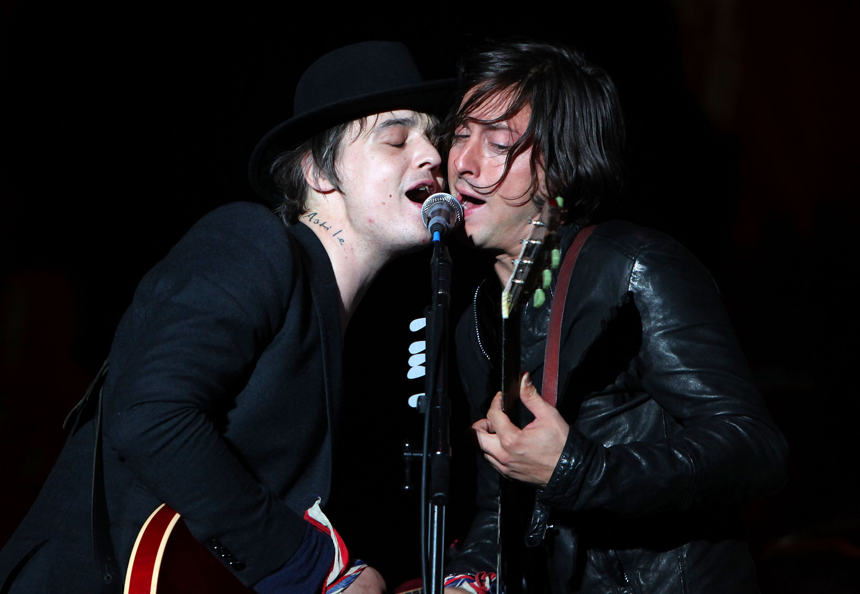 The Libertines' Pete Doherty and Carl Barat are opening their own bar together