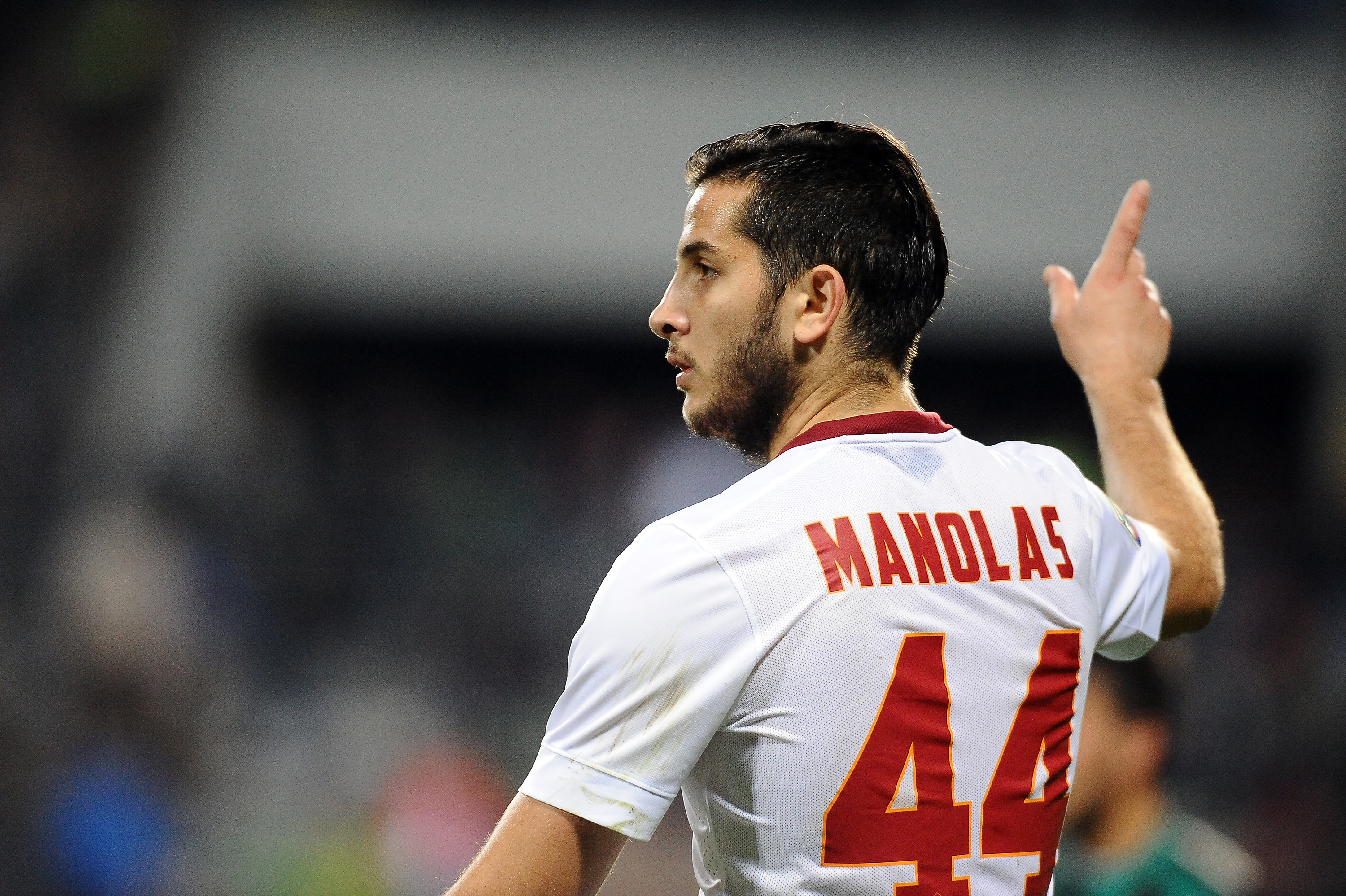 Kostas Manolas is just the type of player Arsenal need to buy in the summer transfer window