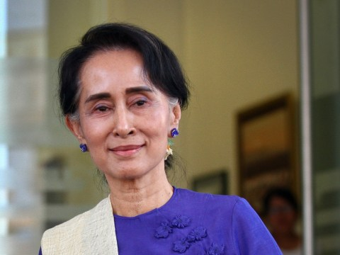 Burma frees more than 100 political prisoners