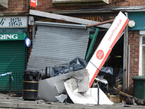 Raiders use explosives to steal money from Post Office cash machine