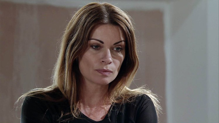 FROM ITV STRICT EMBARGO -TV Listings Magazines & websites Tuesday 28 July 2015, Newspapers Saturday 1 August 2015 Coronation Street - Ep 8699 Monday 3 August 2015 - 1st Ep Carla Connor [ALISON KING] returns to the Street but is evasive when Lloyd and Roy ask about her trip to Spain. When Michelle McDonald [KYM MARSH] finds a receipt from a Las Vegas hotel in the duty free gift bag that Carla gives her, Carla's instantly awkward. What is she hiding, and where has she been?  Picture contact: david.crook@itv.com on 0161 952 6214 Photographer - Joseph Scanlon This photograph is (C) ITV Plc and can only be reproduced for editorial purposes directly in connection with the programme or event mentioned above, or ITV plc. Once made available by ITV plc Picture Desk, this photograph can be reproduced once only up until the transmission [TX] date and no reproduction fee will be charged. Any subsequent usage may incur a fee. This photograph must not be manipulated [excluding basic cropping] in a manner which alters the visual appearance of the person photographed deemed detrimental or inappropriate by ITV plc Picture Desk. This photograph must not be syndicated to any other company, publication or website, or permanently archived, without the express written permission of ITV Plc Picture Desk. Full Terms and conditions are available on the website www.itvpictures.com
