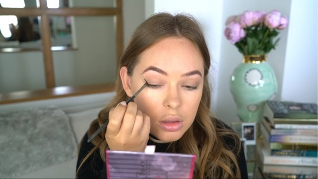 5 YouTubers whose makeup tutorials you need to watch