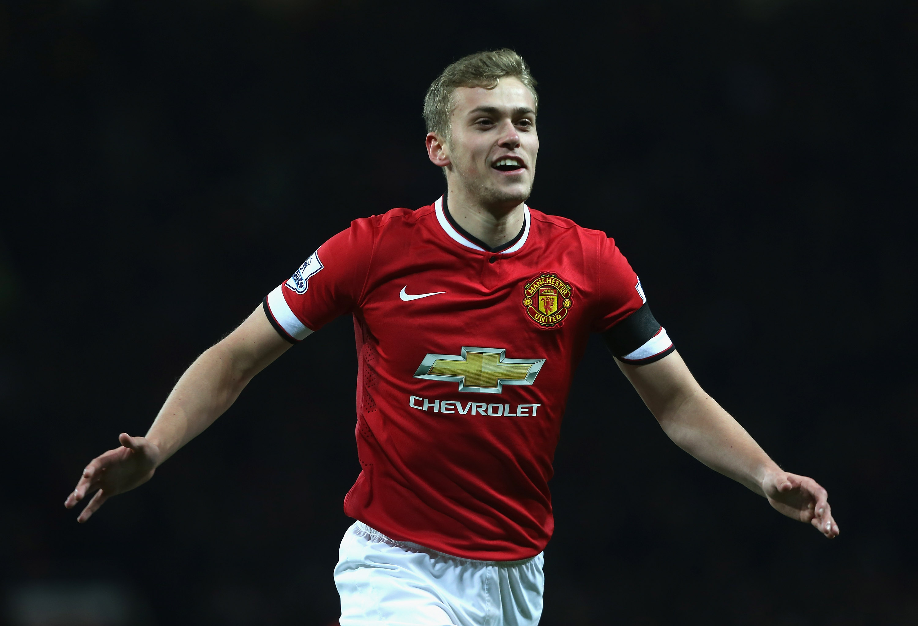 James Wilson returns to Manchester United with a 'significant knee injury'