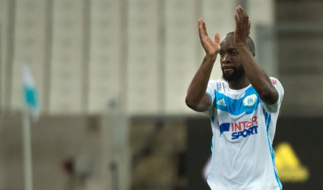 Marseille's French midfielder Lassana Diarra acknowledges the audience following the French L1 football match Olympique de Marseille vs Reims on May 7, 2016 at the Velodrome stadium in Marseille, southern France. / AFP / BERTRAND LANGLOIS (Photo credit should read BERTRAND LANGLOIS/AFP/Getty Images)