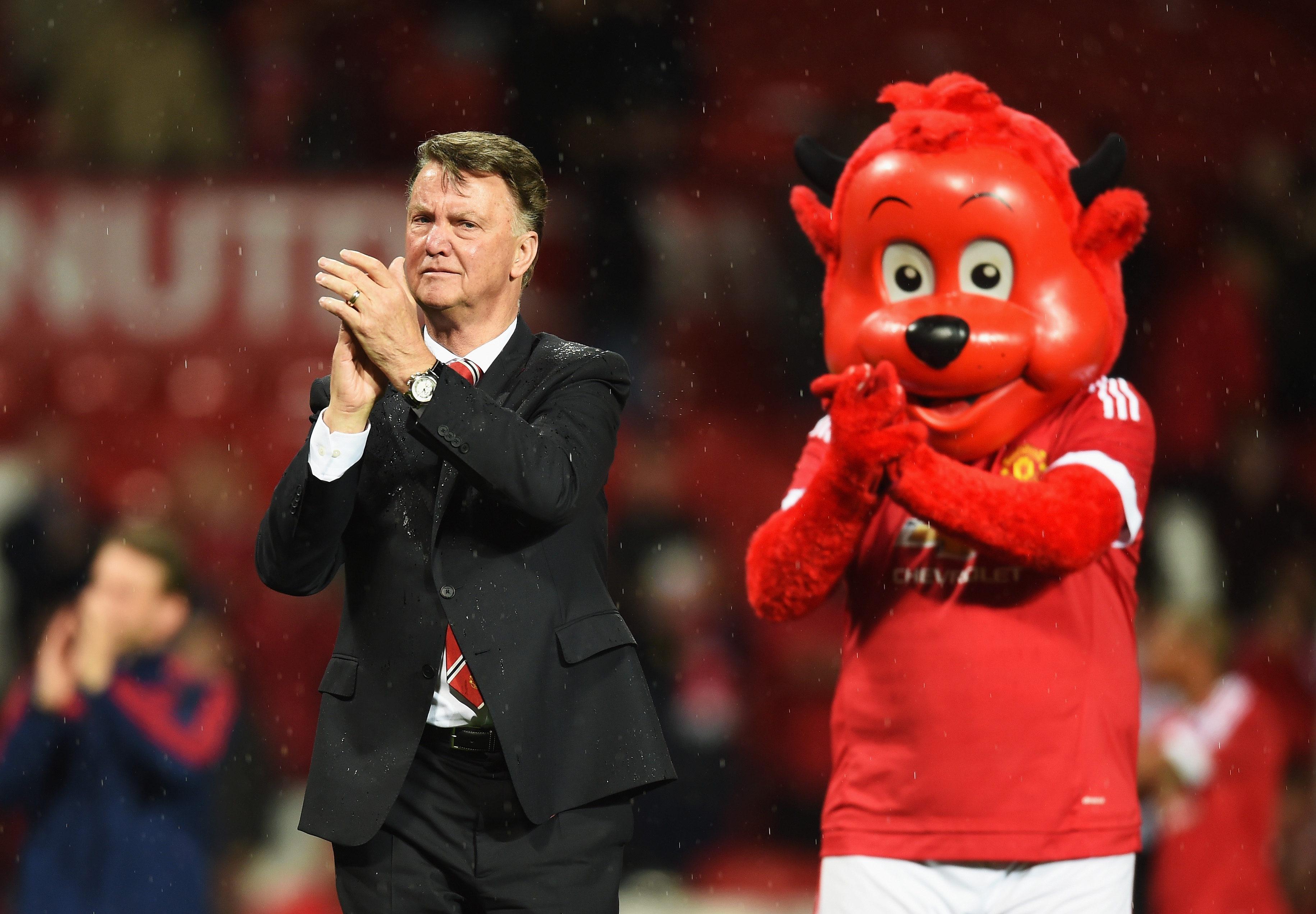 Why Louis van Gaal is now in an impossible position at Manchester United