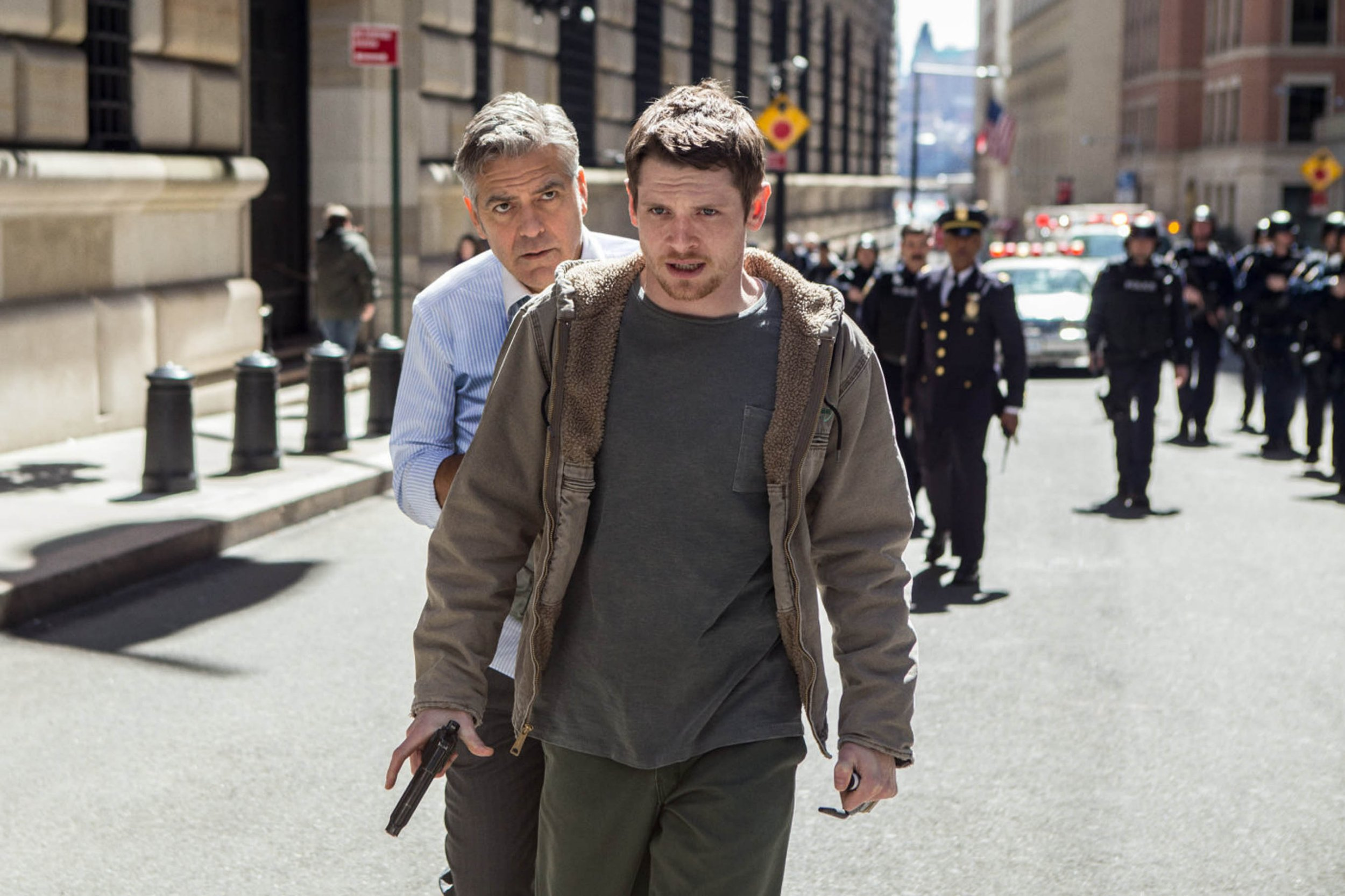 "16-5-2016 ""Money Monster"" film stills Pictured: George Clooney Jack O'Connell PLANET PHOTOS www.planetphotos.co.uk info@planetphotos.co.uk +44 (0)20 8883 1438"